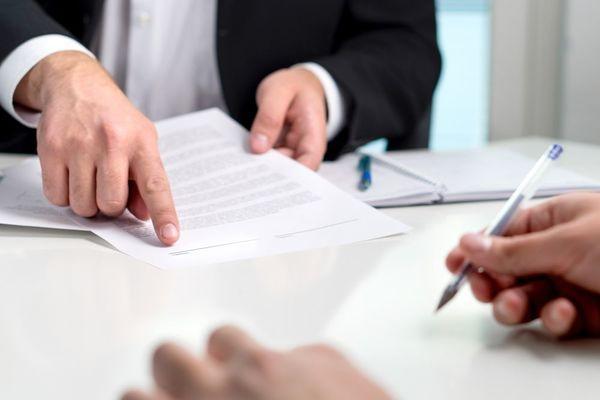 事実婚や内縁など法的関係のない状態で慰謝料は取れる?