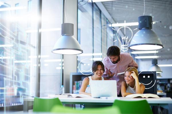 職場での浮気はなぜ多い? その理由や職場不倫をする人の特徴、対策を解説